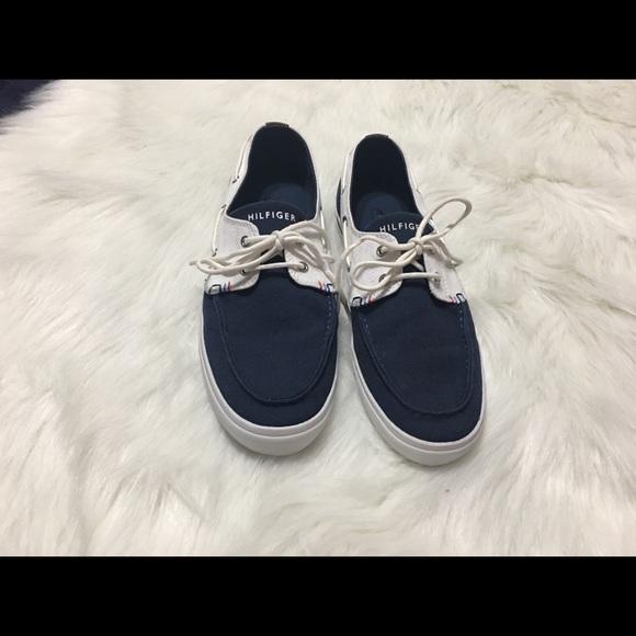 7b3a37cac4f946 Tommy Hilfiger Navy Boat Shoes. M 5c42aa25c2e9fe20de7576a6